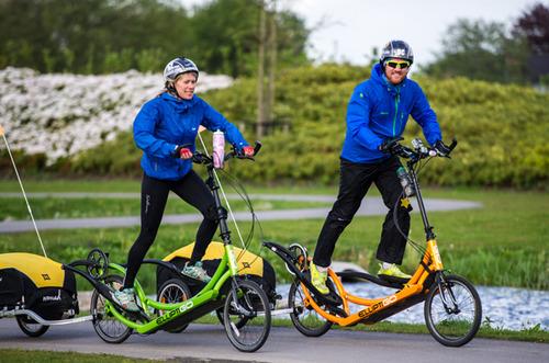 Dave เริ่มสตาร์ทที่ 3,000 ไมล์ บนจักรยาน ElliptiGo พร้อมกับ Squash Falconer